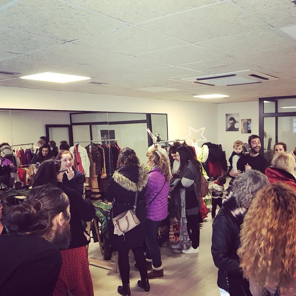 Mercadillo de intercambio y segunda mano de vestidos de flamenco