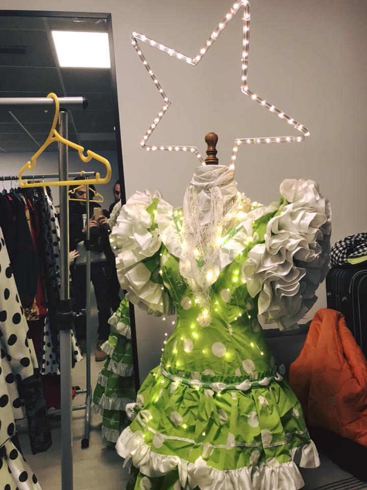Árbol de Navidad con traje de flamenca